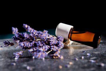 Ätherische Öle aus Lavendel beruhigen Geist und Seele. Foto: fotolia.com/steinerpicture