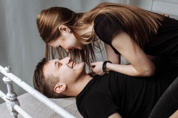 Für guten Sex würden 40 Prozent der Deutschen auf Facebook verzichten, nur 12 Prozent auf's Auto. Foto: pixabay/JUrban