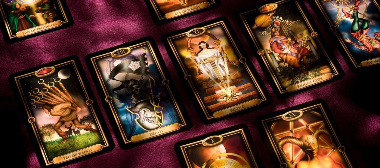 Tarotkarten sind nur eine Methode, die beim Kartenlegen angewendet wird. Foto: pixabay/GerDukes
