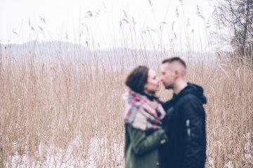 Eine Beziehung mit einem jüngeren Mann kann sehr glücklich sein. Foto: pixabay/StockSnap